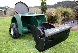 Horse manure collection made easy with the Original Paddock Groomer